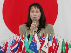 学校図書館ボランティア 代表 榊原恵美子